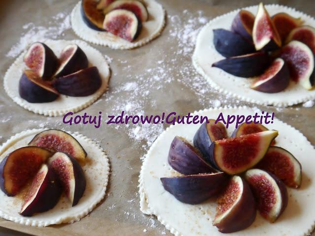 Figowe torciki z ciasta francuskiego oraz czy warto jeść figi? - Czytaj więcej »