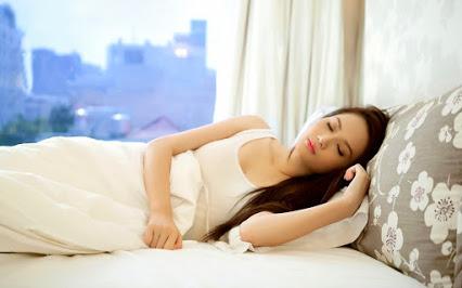 Manfaat Tidur Lampu dimatikan Resiko Tidur Lampu Menyala