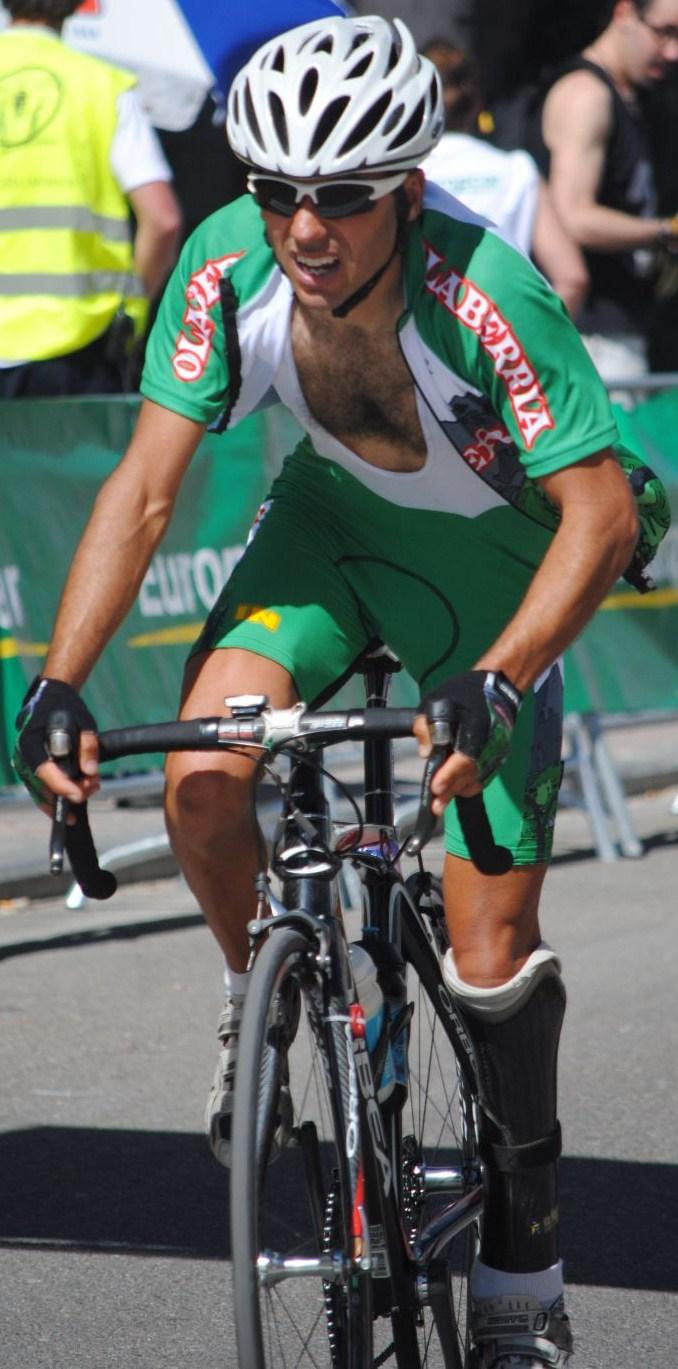 Guillermo ciclista adaptado