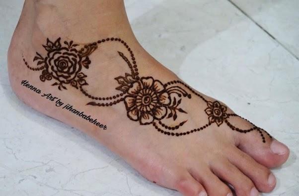 Contoh Gambar Motif Henna Kaki Simple 01