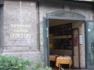 Leon d'Oro Restaurant, Piazza Dante, Naples