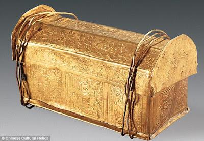 Urna de mil anos contém crânio que pode ter sido de Buda