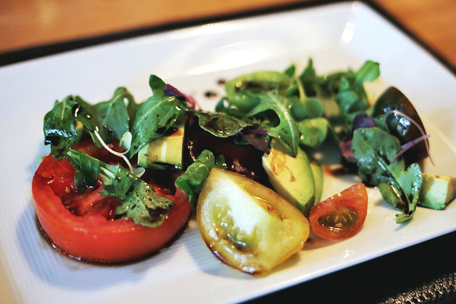 tomato salad healthy vegan