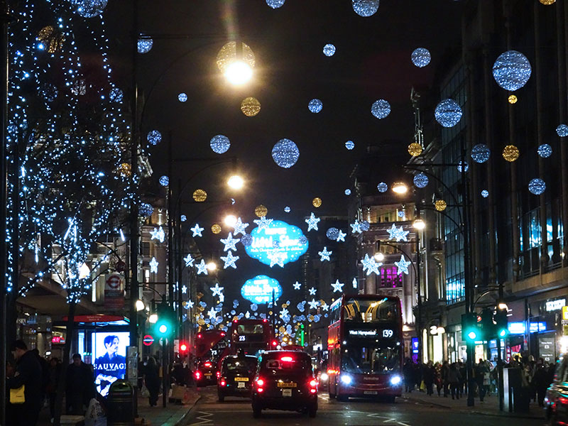 London_Gorgeous_Christmas_Lights_Photographs_Oxford_Street