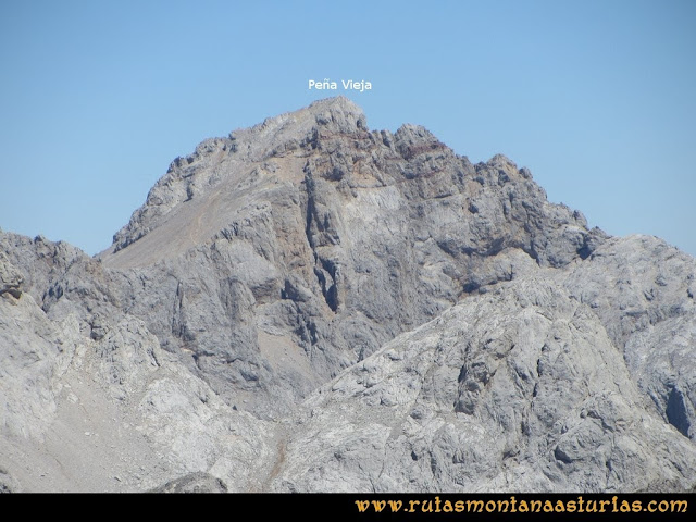 Ruta a la Torre del Friero: Vista de Peña Vieja