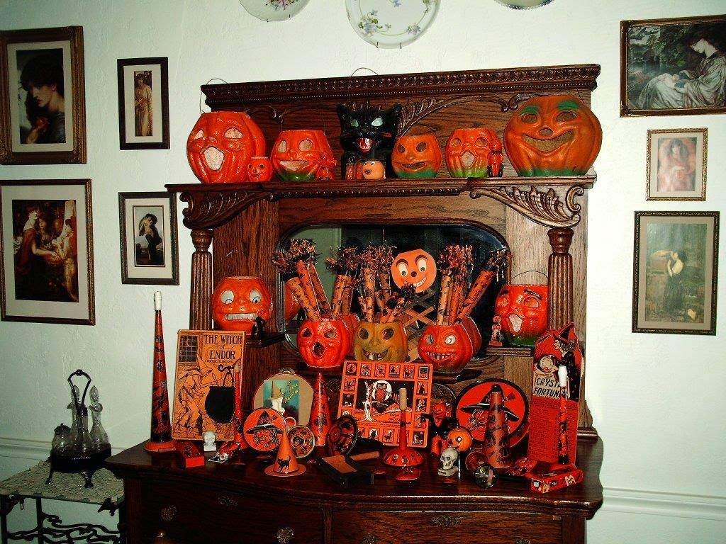 Vintage Halloween Collectibles 100