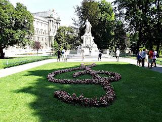 Burgarten - Statuia lui Mozart