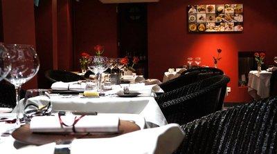 paris l 39 ouest saint valentin restaurants gastronomiques de l 39 ouest parisien. Black Bedroom Furniture Sets. Home Design Ideas