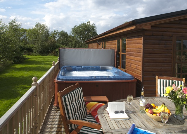 20 Lodges with Hot Tubs within a 90 minute drive of York  - Herrington Park