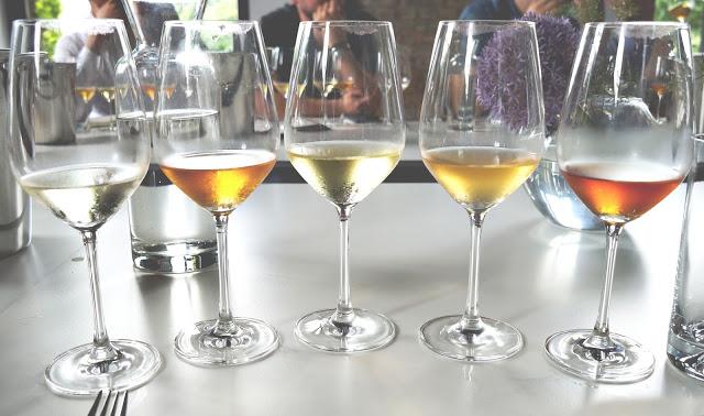 Warsztaty łączenia polskich win i cydrów rzemieślniczych z rodzimą kuchnią i interpretacja dań staropolskich.