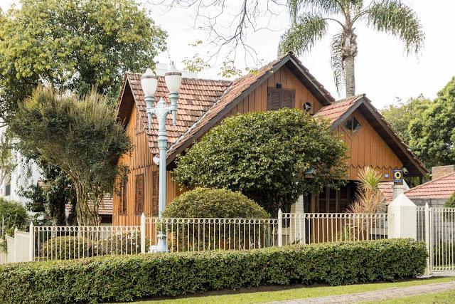 Casa de madeira na Simão Bolivar