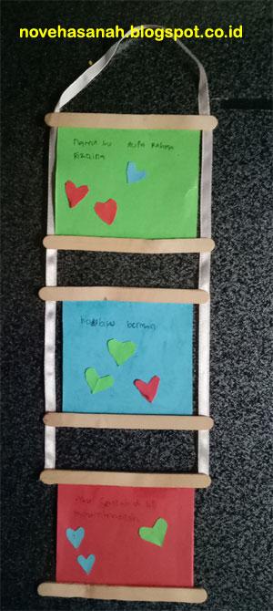 cara membuat kerajinan tangan anak SD dari stik es krim, kertas bekas, dan pita