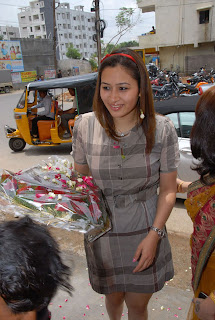 Jwala Gutta At Colors Beauty Studio Opening  (11)
