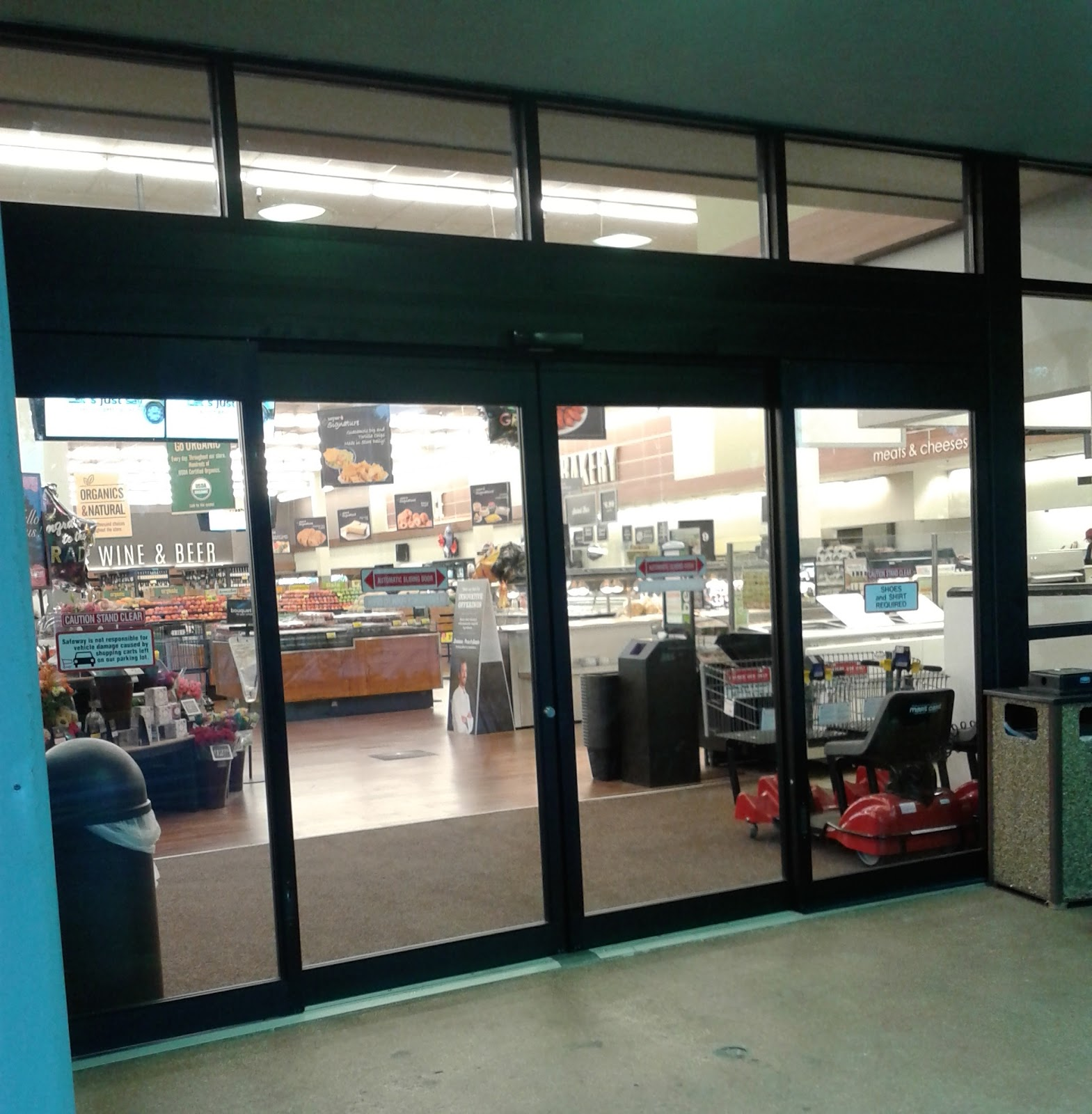 Another part of the Safeway remodel involved replacing the old swing doors with these sliding ones. & Albertsons Florida Blog: Here\u0027s Safeway! (Safeway #3304 - Altamonte ...