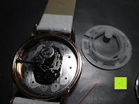 Uhr innen: Ostan Damen Uhren Mode Weiß Leder Runde Zifferblatt mit Zirkonia Armkette Armband Armbanduhr Uhr