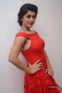 Actress-Yamini-Bhaskar-Latest-Stills