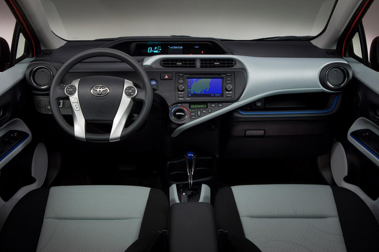 japanese car design corner toyota prius c makes its official debut. Black Bedroom Furniture Sets. Home Design Ideas