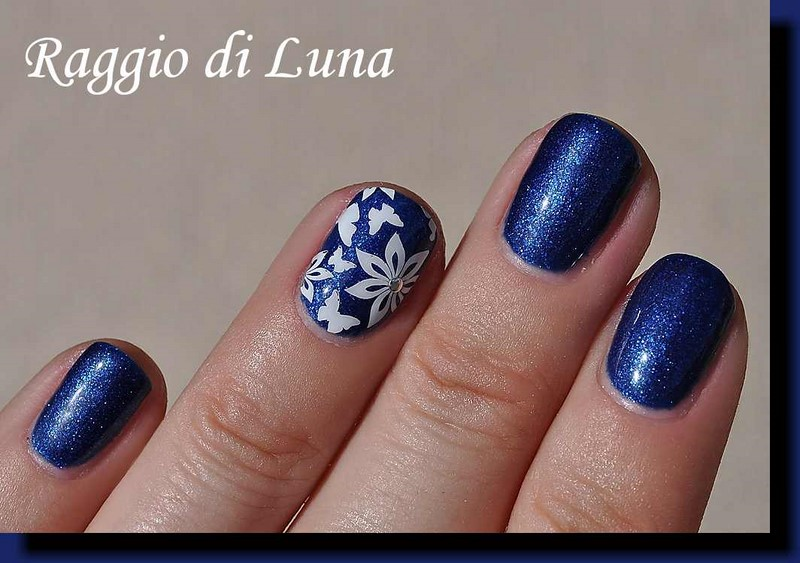 Raggio di Luna Nails: UV gel manicure with stamping - White flowers ...