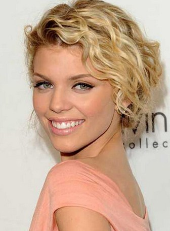 Two Kinds of Short Layered Hairstyles for Women - Women Hairstyles