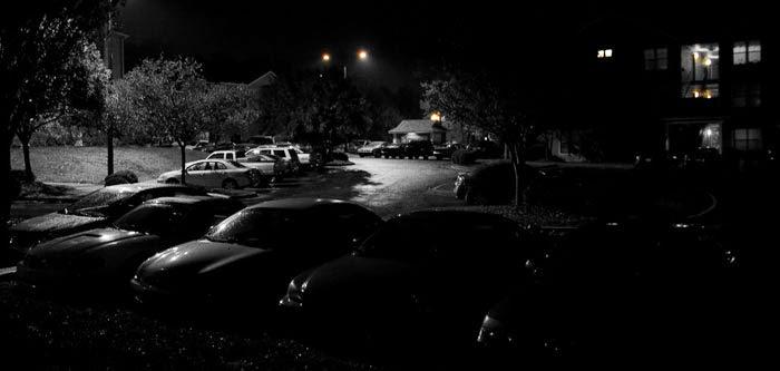 estacionamiento obscuro en japon