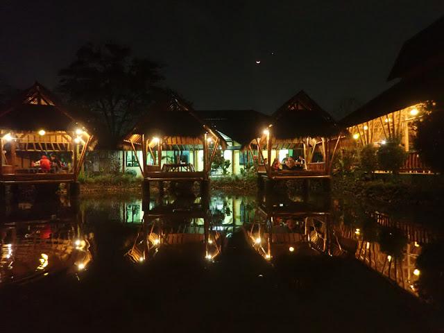 Syukuran Ulang Tahun Papah di Gubug Makan Mang Engking, Kopo, Bandung