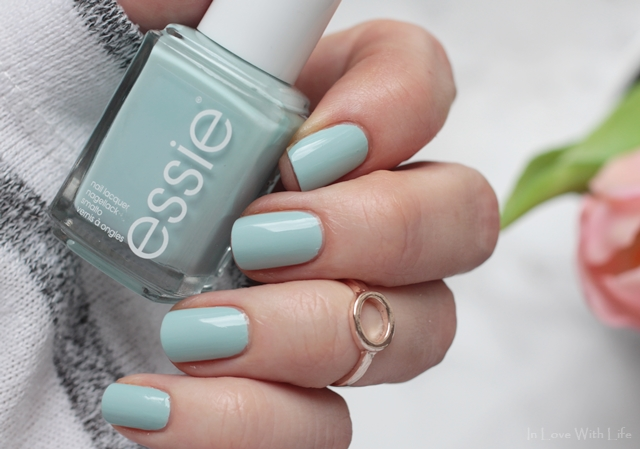 essie - Resort 2017 LE strike a pose-itano