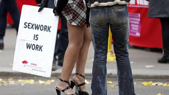 Profesora de Cambridge defiende el derecho de las mujeres a prostituirse