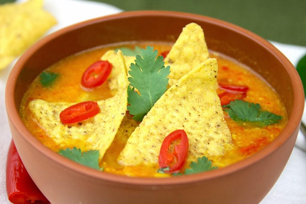 Ostra zupa kukurydziana z nachosami