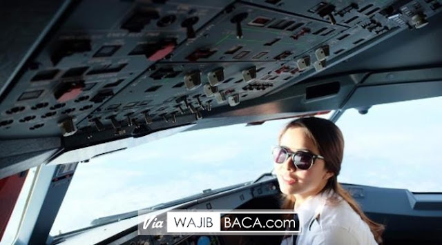 Masih Berusia 23 Tahun, Inilah Pilot Wanita Termuda yang Dimiliki Indonesia