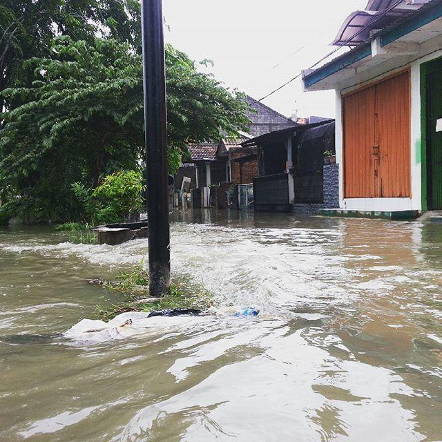 Foto-Foto Banjir Bekasi Februari 2016