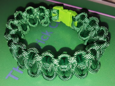 home made paracord survival wristbands