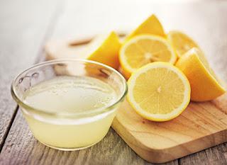 Manfaat air lemon hangat