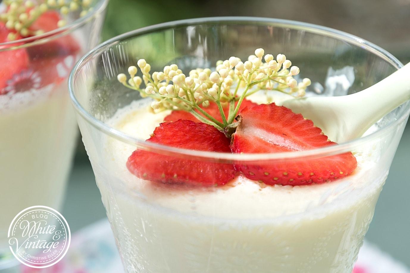 Holunderblüten Panna Cotta Rezept