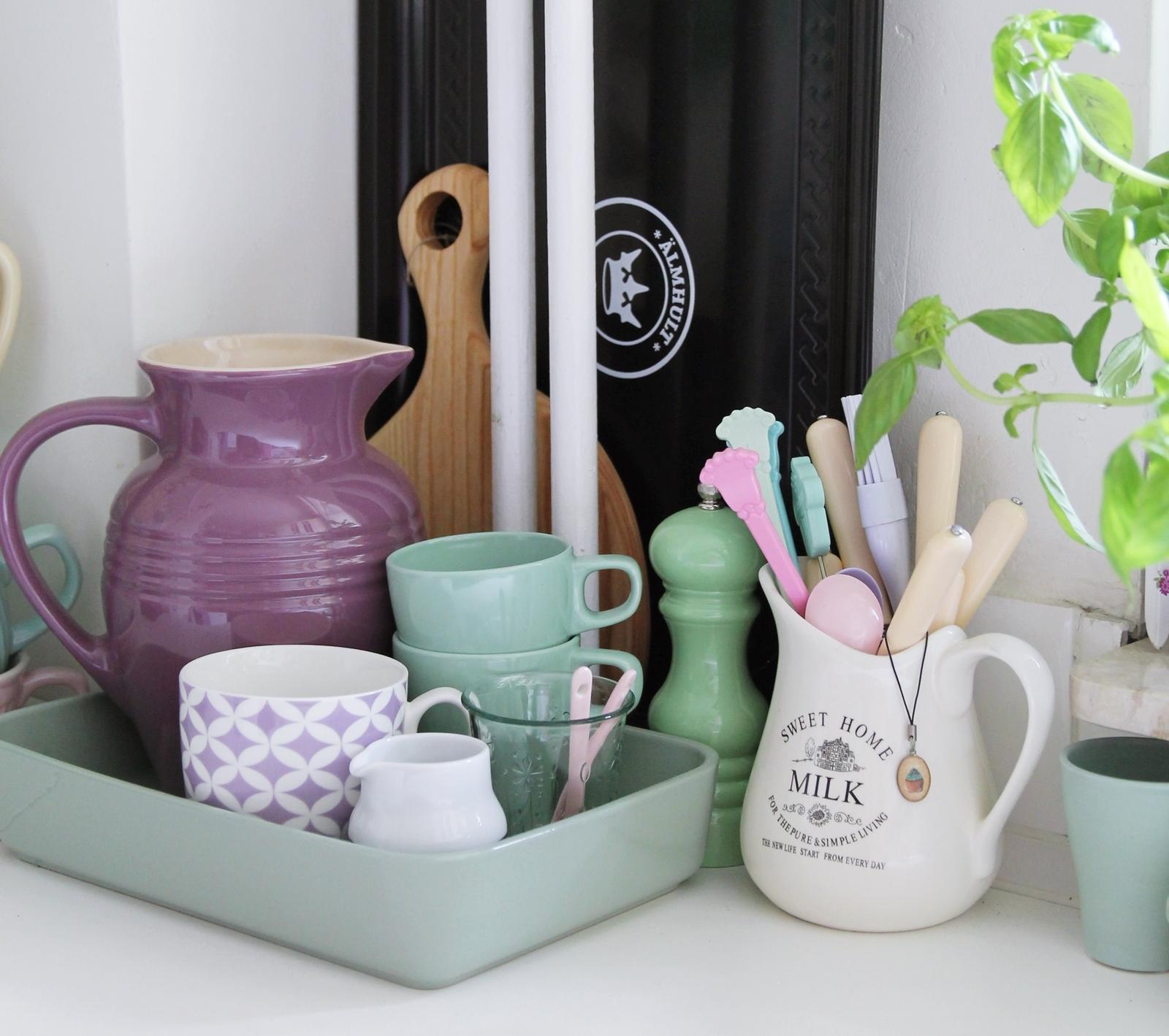 Pastel pottery