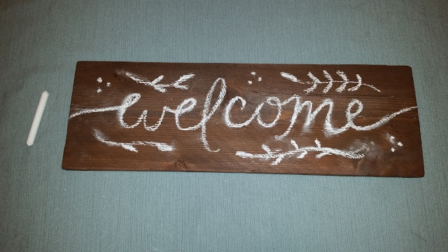 DIY front porch stoop Welcome sign