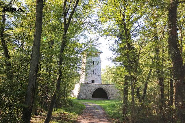 Der Turm auf dem Stoppelberg in Wetzlar - 4 Türme Wanderung mit Best Mountain Artists BMA - Wanderung Mittelhessen Wanderwelt Hessen Premiumweg
