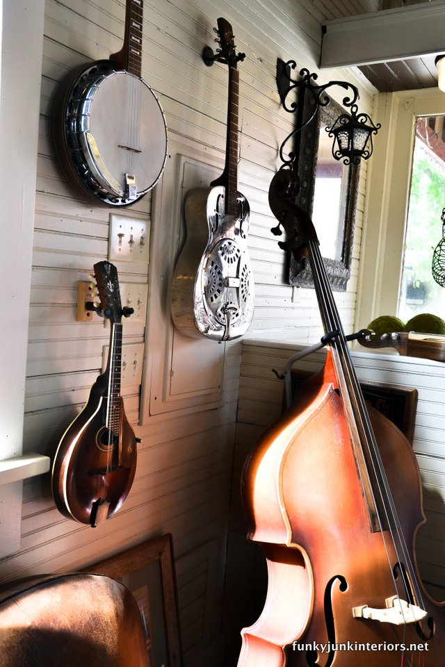 Musical_instruments_for_sale_ in_A_tour_through_Franklin,_Tennessee _via_Funky_Junk_Interiors