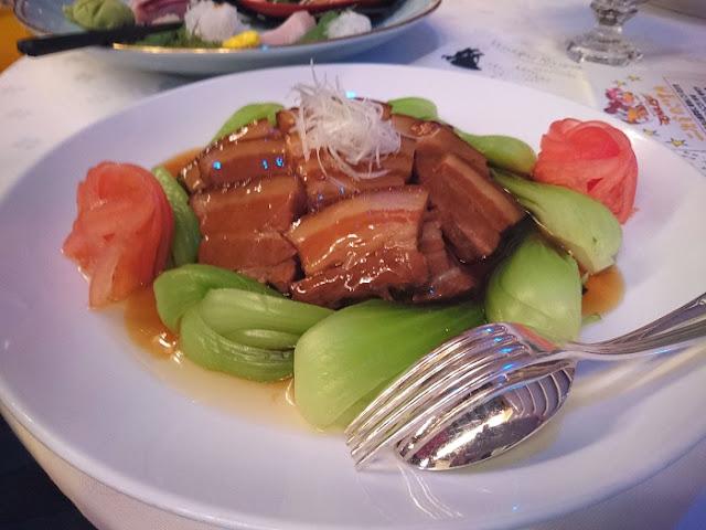 県産豚三枚肉の煮込みの写真