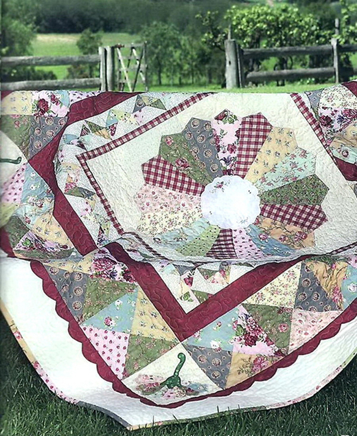Dresden Plate Centre Quilt Free Pattern