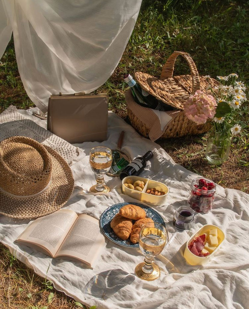 From Instagram | Summertime Inspiration: The Most Beautiful Picnics
