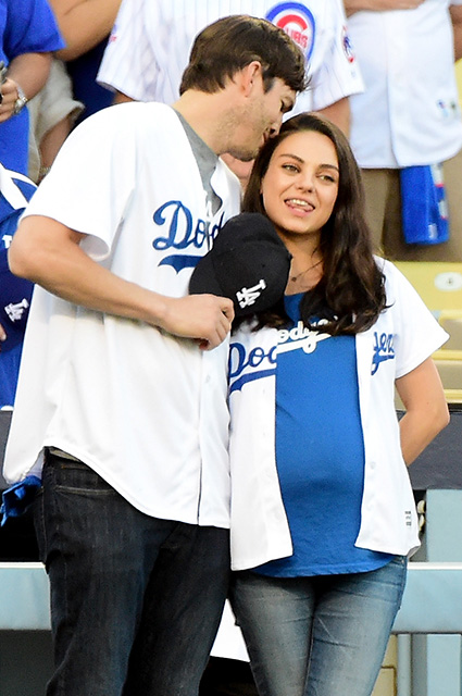 Mila kunis and Ashton Kutcher announced the name of newborn son