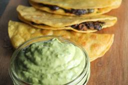 Crispy Black Bean Tacos with Avocado-Lime Sauce #vegan #recipevegetarian