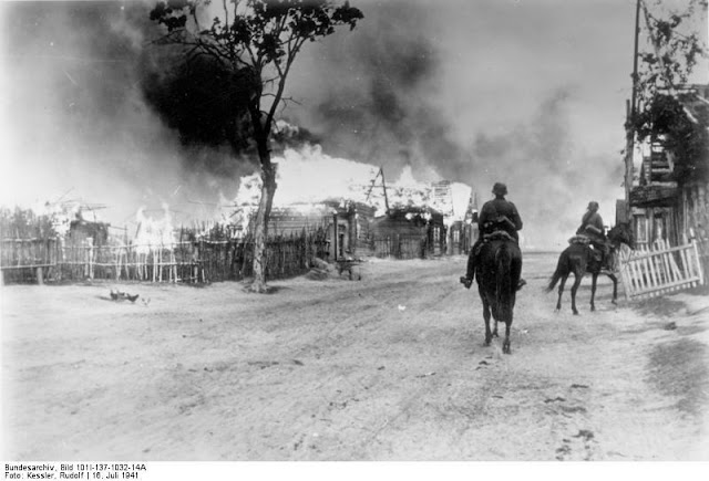 Fires in Mogilev, 16 July 1941 worldwartwo.filminspector.com