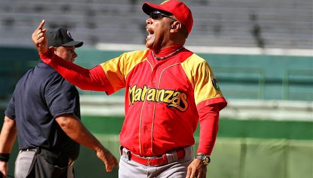Víctor Mesa despidió coach de bases por equivocarse una vez, pero no se despidió a sí mismo cuando se equivocó en miles.