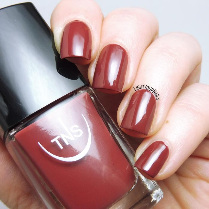 Smalto marrone TNS Cosmetics Firenze Altrove 565 Ricordo brown nail polish #unghie #nails #tns #tnsaltrove #tnscosmetics #tnsfirenze #lightyournails