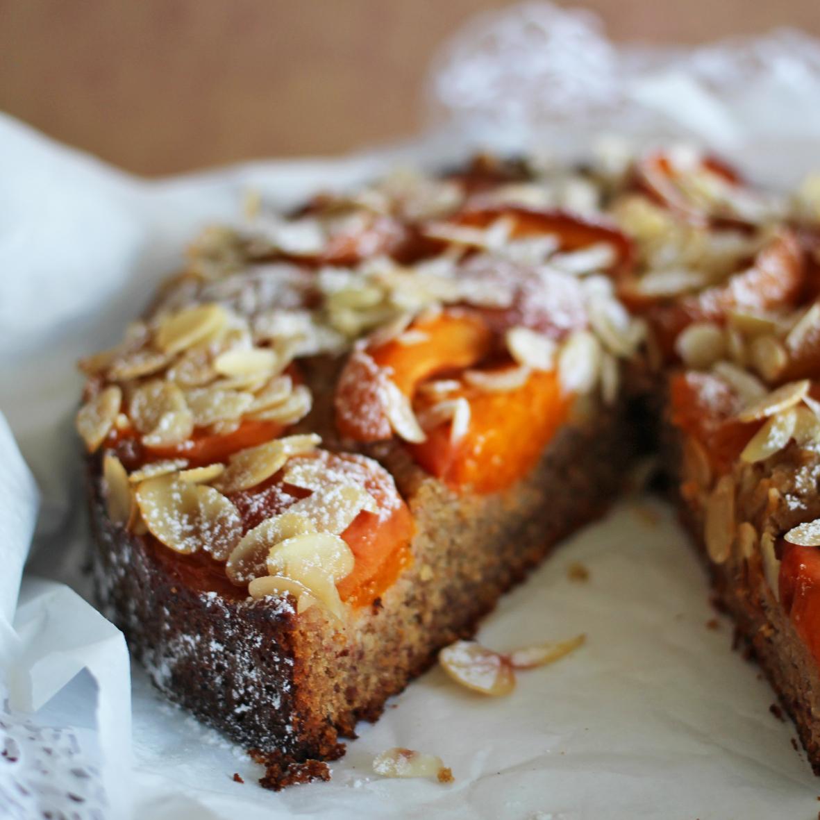 Aprikosen Dinkelvollkorn Kuchen mit Mandelsplitter  Nur