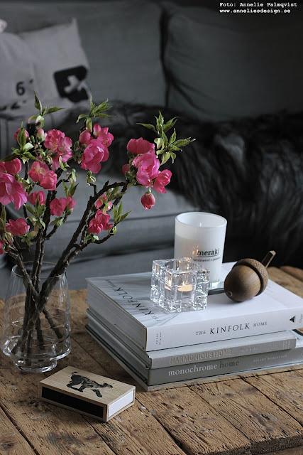 annelies design, webbutik, nätbutik, webbutiker, webshop, hasselnöt, ljusstake, ljusstakar, ekollon, äppelblom, konstgjorda blommor, kvistar, kvist, äppel, vardagsrum, vardagsrummet, dekoration, inspiration,