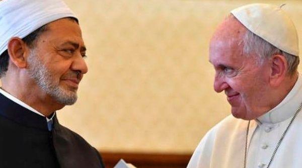 Papa Francisco viaja a Egipto para llevar un mensaje de paz