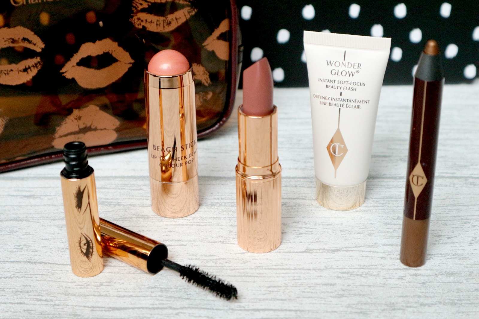 Charlotte Tilbury Natural Glowing Look Review
