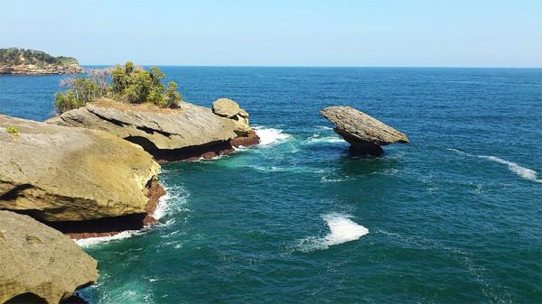 Tempat Wisata Pantai Popoh di Tulungagung
